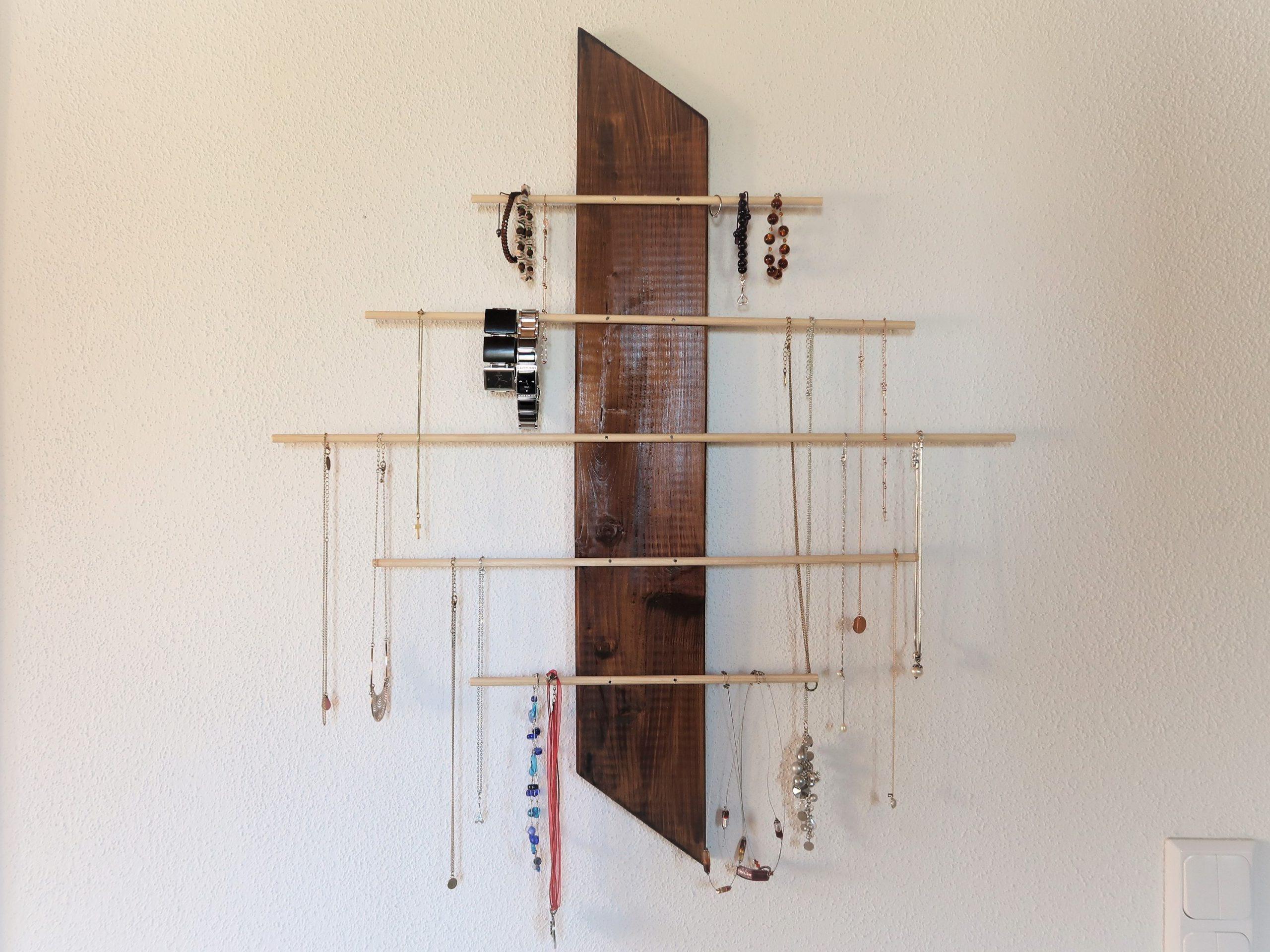 Raffinierter Schmuck-Organizer aus Holz